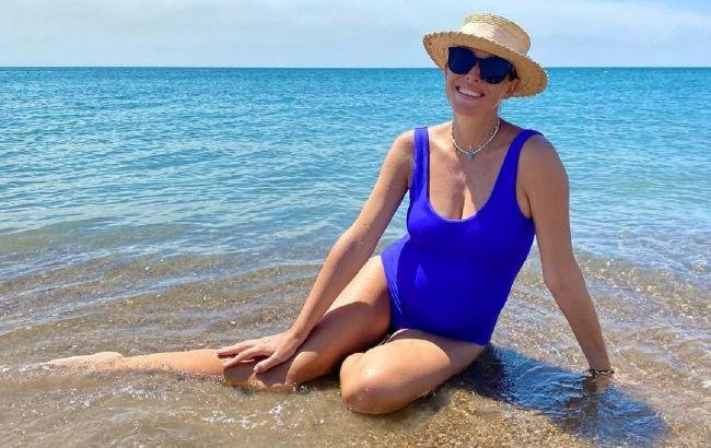 Прискорювач всередині: Осадча в смугастому купальнику розповіла, що встигла зробити за літо