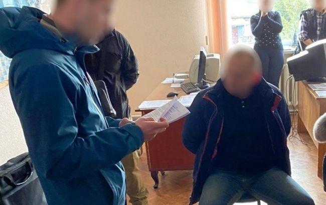"""Директора одного з заводівконцерну """"Укроборонпром"""" затримали на хабарі"""