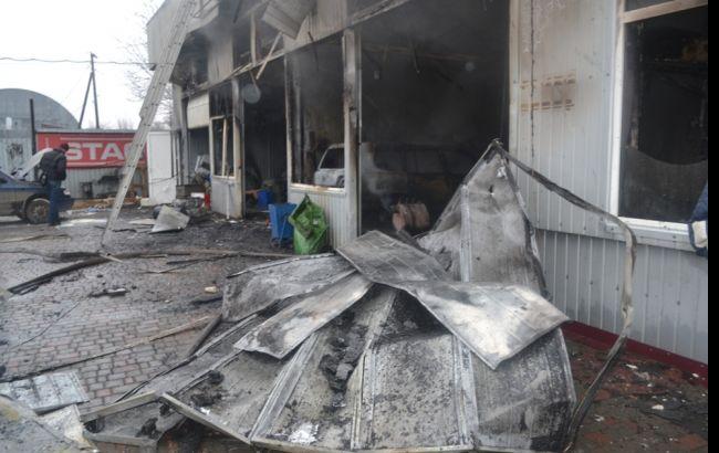 Фото: последствия пожара на СТО