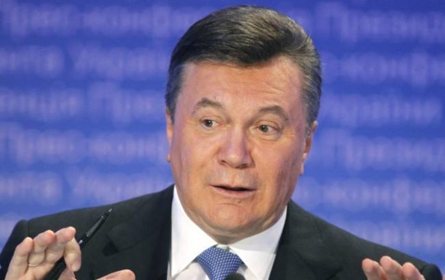 Фото: початок допиту Віктора Януковича затягується