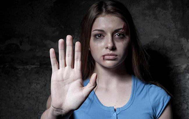 """""""Втекла від чоловіка вагітна і з п'ятьма дітьми"""": в Одесі відкрився центр для жертв насильства"""