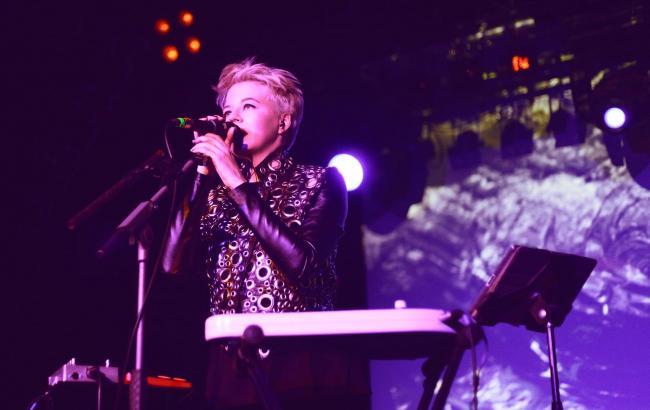 Без российских артистов на одной сцене: ONUKA с аншлагом выступила в Праге (видео)