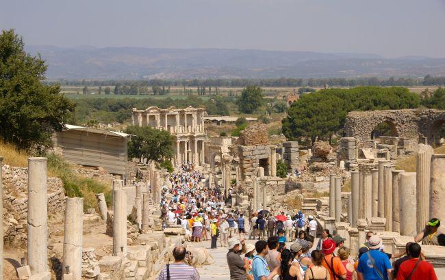 Туреччина веде переговори про відновлення туризму з 70 країнами