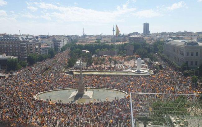 У Мадриді почалася багатотисячна акція проти помилування політиків-сепаратистів Каталонії