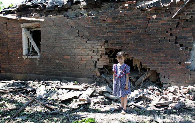 Фото: 3 млн жителей на Донбассе нуждаются в гуманитарной помощи