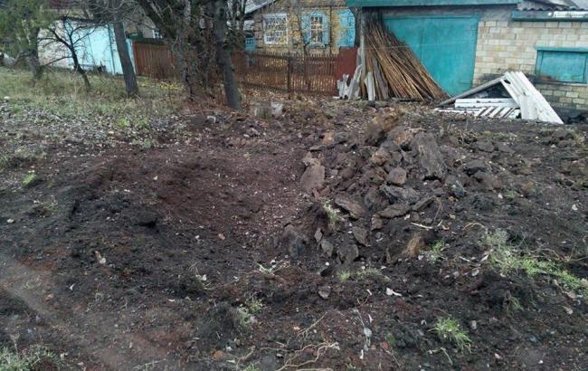 Фото: Бахмутка после обстрелов боевиками (facebook.com/zhebrivskyi)