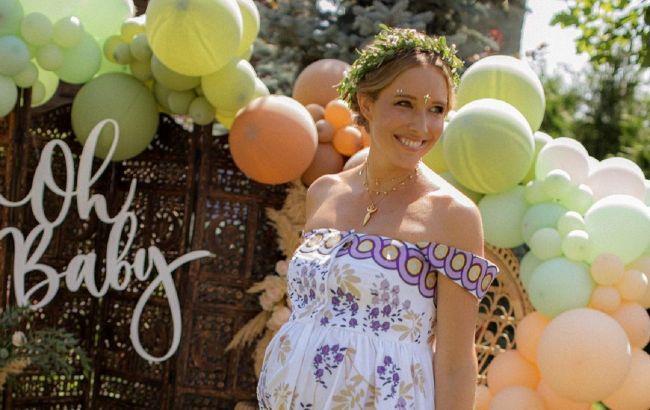 Беременная Катя Осадчая обнажилась для обложки глянца