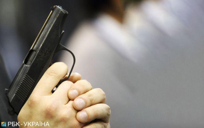 Стрельба в Киеве: ранен полицейский, к задержанию привлечены спецназовцы