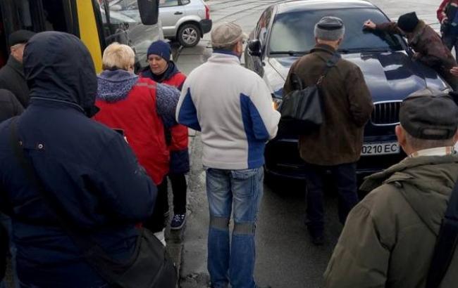 """Фото: """"Герой парковки"""" (facebook.com/KyivOperativ)"""