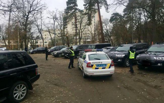 Фото: полиция на месте встречи криминальных авторитетов (facebook.com/Поліція-Києва)