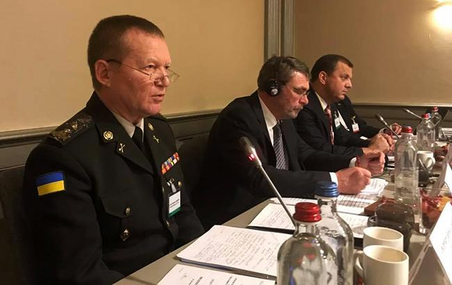 Фото: военный представитель Украины при НАТО, генерал-лейтенант Владимир Аскаров (facebook.com/Iryna.Friz)