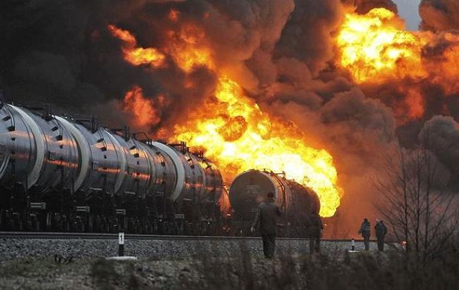 Фото: у США загорівся потяг зі спиртом