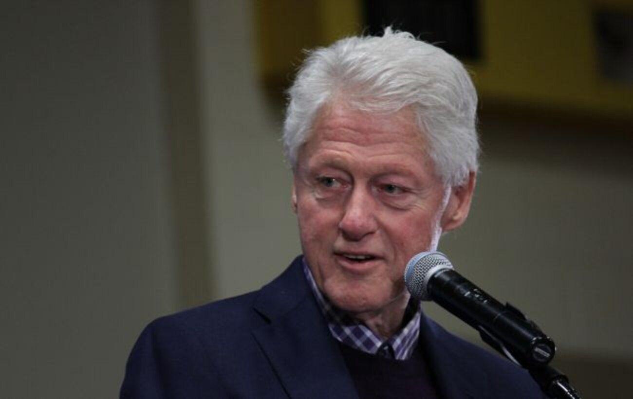 После заражения крови Клинтону уже лучше, но еще одну ночь он проведет в больнице, - пресс-секретарь