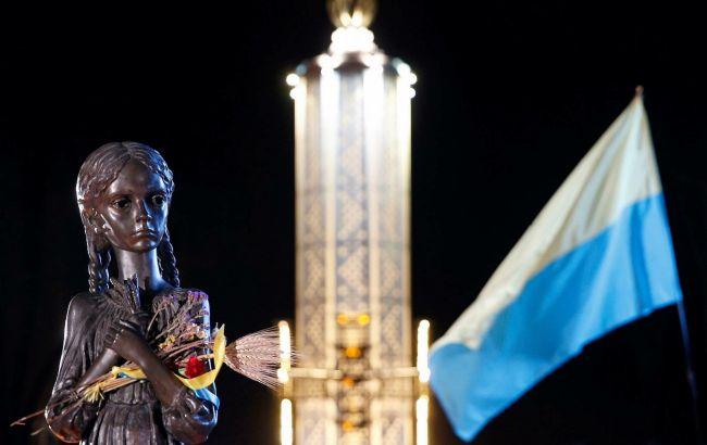 У Києві вандали осквернили скульптуру про Голодомор: наруга над пам'яттю (фото)
