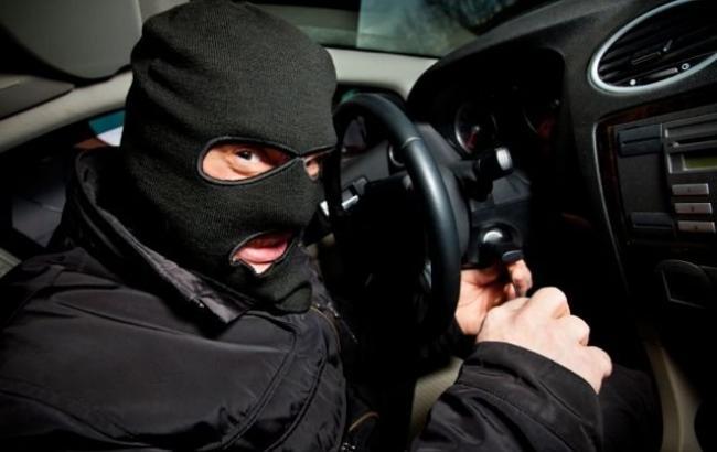 Фото: Злодій вкрав машину разом з водієм (KP.UA)
