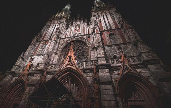 Появились фото пожара в столетнем костеле Святого Николая
