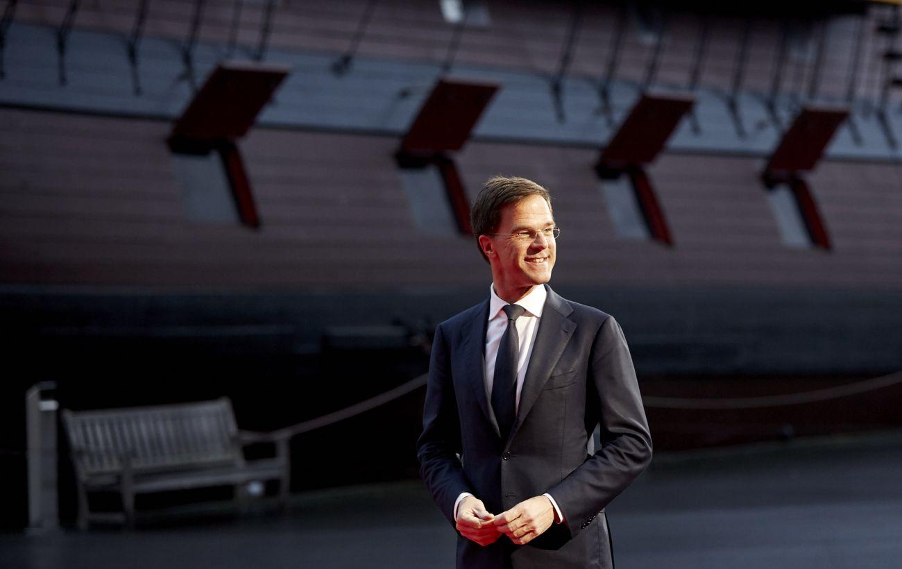 Тысячи нидерландцев ошибочно обвинили в мошенничестве. Кабмин может уйти в отставку photo