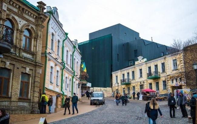 """Фото: Театр-""""крематорий"""" на Подоле (bdzhola.com)"""