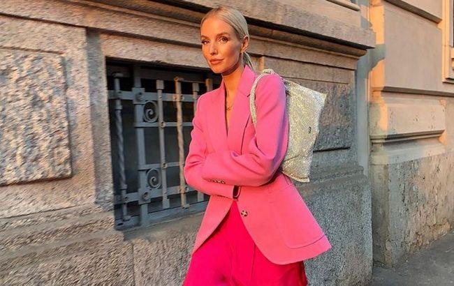 Крупные цепи, ассиметричные формы: стилист показала топ-7 модных сумок на осень-зиму