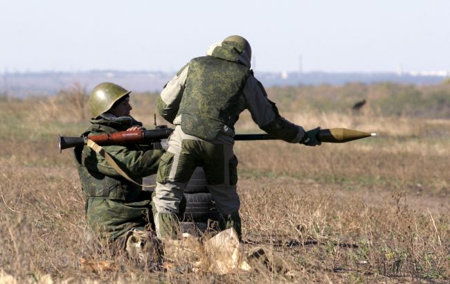 Фото: боевики обстреляли Авдеевку и Крымское