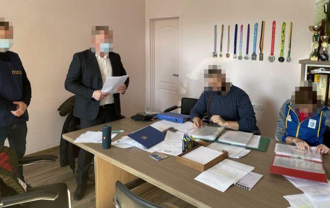 У департаменті молоді та спорту КМДА проходять обшуки: чиновникам вручають підозри