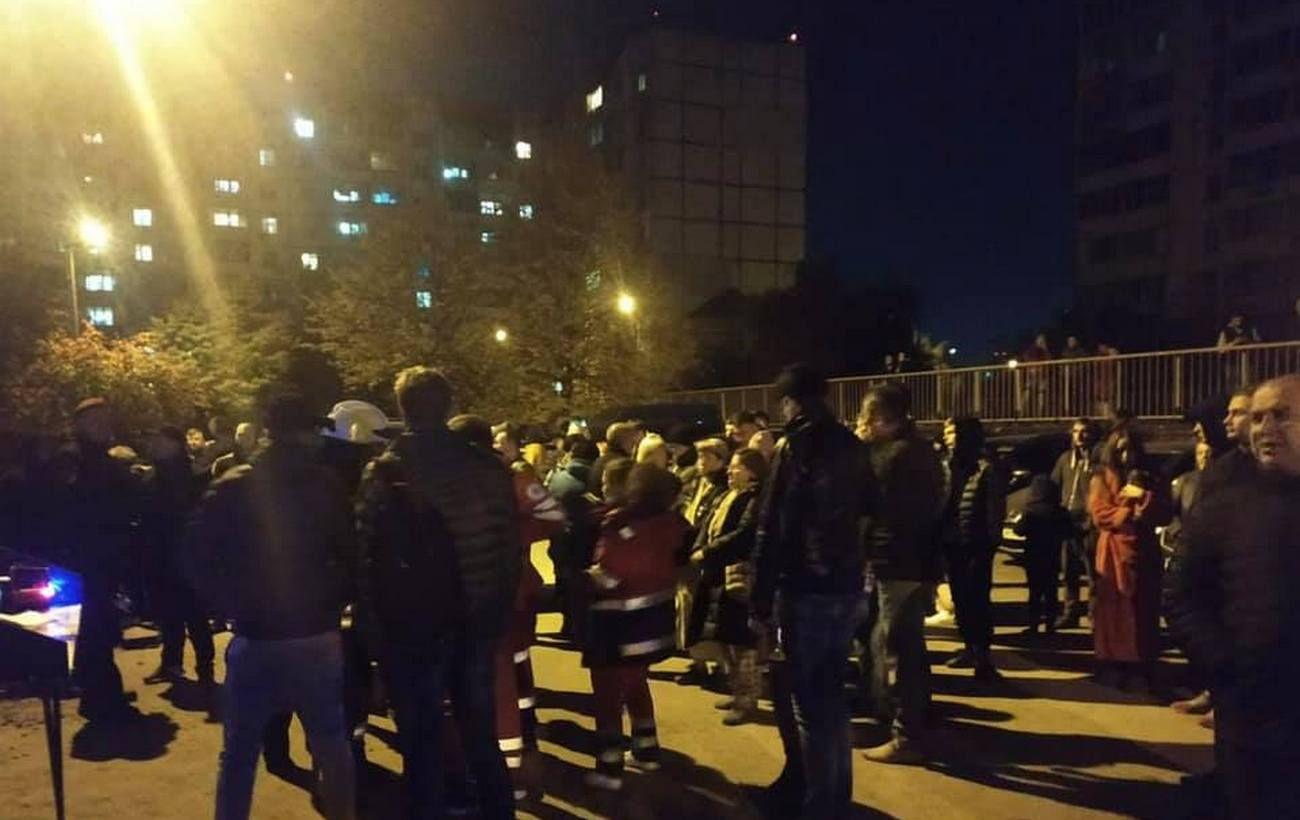 Под Киевом вспыхнул пожар в многоэтажке: есть пострадавший