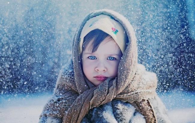 Фото: маленькая девочка (adme.ru)