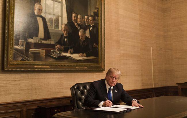 Трамп подписал военный бюджет США с помощью для Украины и санкциями против РФ