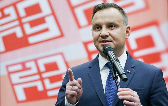 Президент Польши пообещал провести референдум по Конституции в ноябре