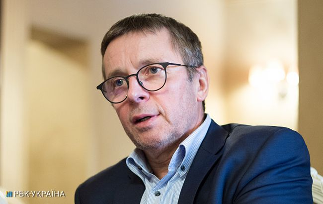 Іван Міклош спілкується безпосередньо з Володимиром Гройсманом (Віталій Носач, РБК-Україна)