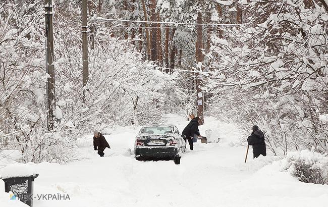Фото: снегопады в Украине (РБК-Украина)