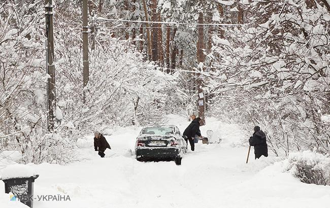 Негода в Україні: вночі знеструмлено 134 населені пункти