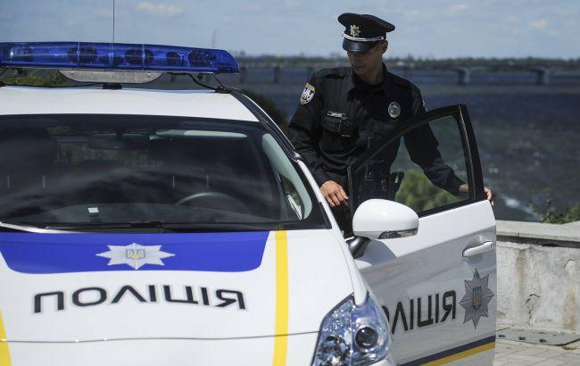 """Фото: поліція затримала киянина, який """"пожартував"""" про теракт, який готується на Банковій"""