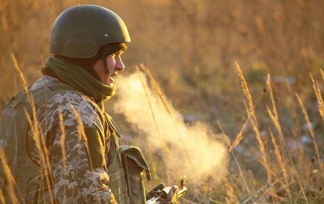 В зоне АТО в результате обстрелов погиб один украинский военный, - штаб