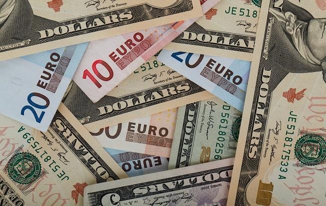 Доллар иевро снова упали вцене — Биржа