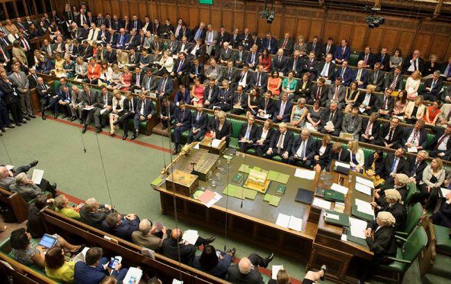 Британський парламент запропонував відтермінувати Brexit