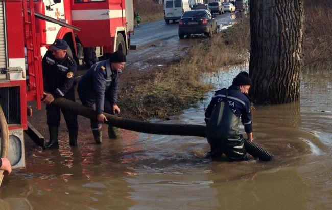 Паводок на Закарпатье: часть Мукачево осталась без водоснабжения