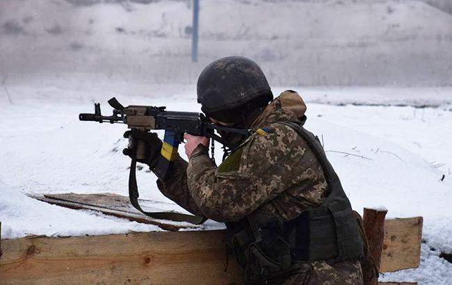 В результате боевых действий на Донбассе за сутки ранен один украинский военный