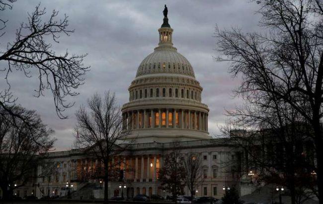 Конгресс США принял оборонный бюджет с военной помощью для Украины