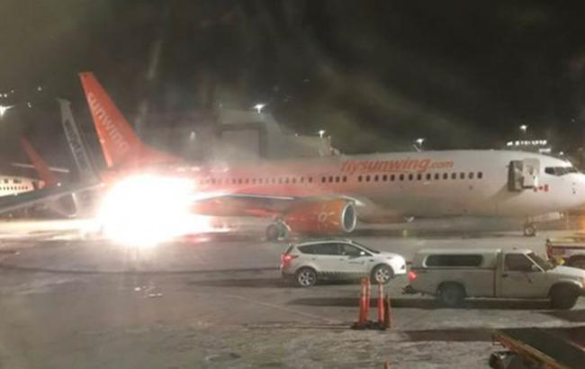 В аэропорту Канады столкнулись два самолета