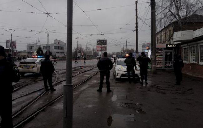 """У Харкові невідомий захопив заручників у будівлі """"Укрпошти"""""""
