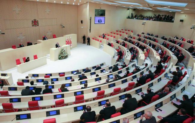 Парламент Грузии принял закон отайной слежке