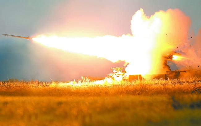 """Війна на Донбасі: терористи обстріляли з """"Градів"""" Авдіївку та Опитне"""