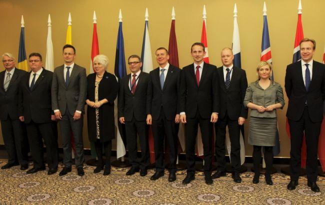 МИД 12 стран Европы призвали немедленно ввести безвизовый режим с Украиной