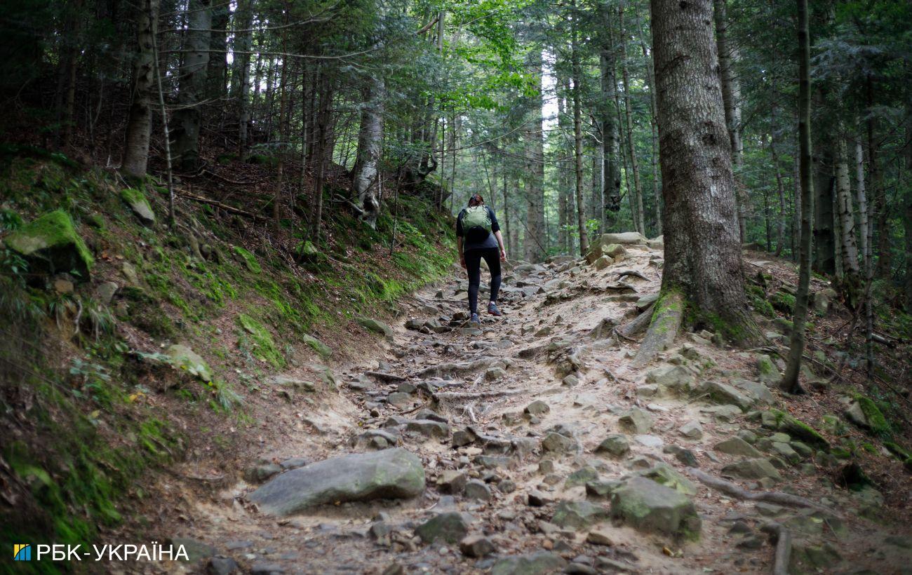 Туристов, которые идут в горы, призывают регистрироваться у спасателей