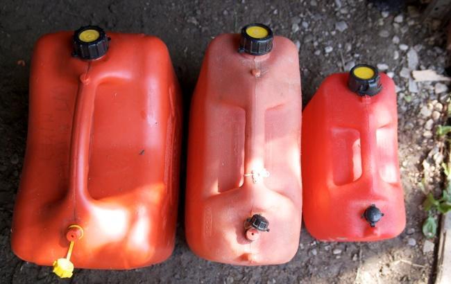"""Фото: ГПУ заявила о """"тотальном разворовывании"""" топлива в Хмельницкой области (flickr.com)"""