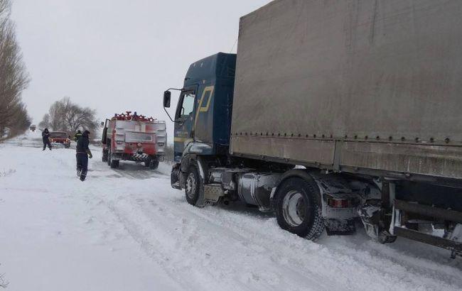 Натрассах Запорожья стояли до 1 000 авто— Непогода вУкраинском государстве