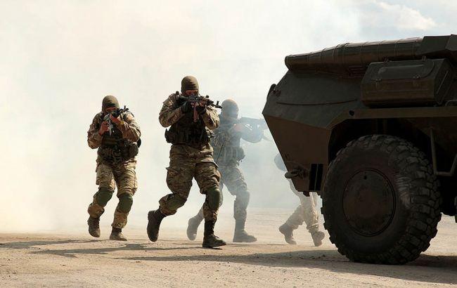 На Донбасі троє україських військових дістали поранення