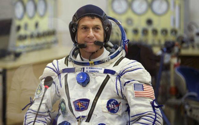 Фото: Американський астронавт Шейн Кимброу (i-r-p.ru)
