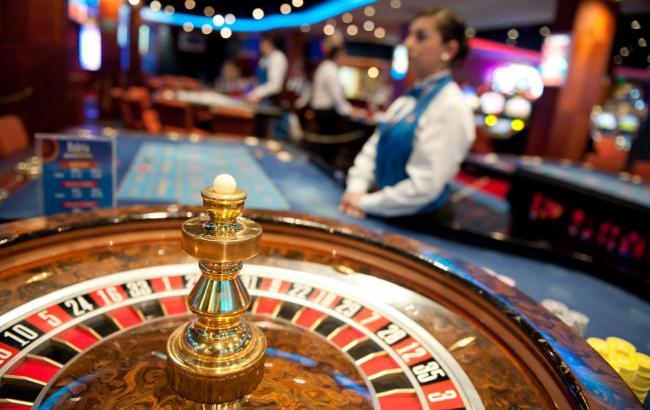 Фото: нинішні лотерейні заклади виникли на тих місцях, де в 2009 році стояли казино та ігрові зали